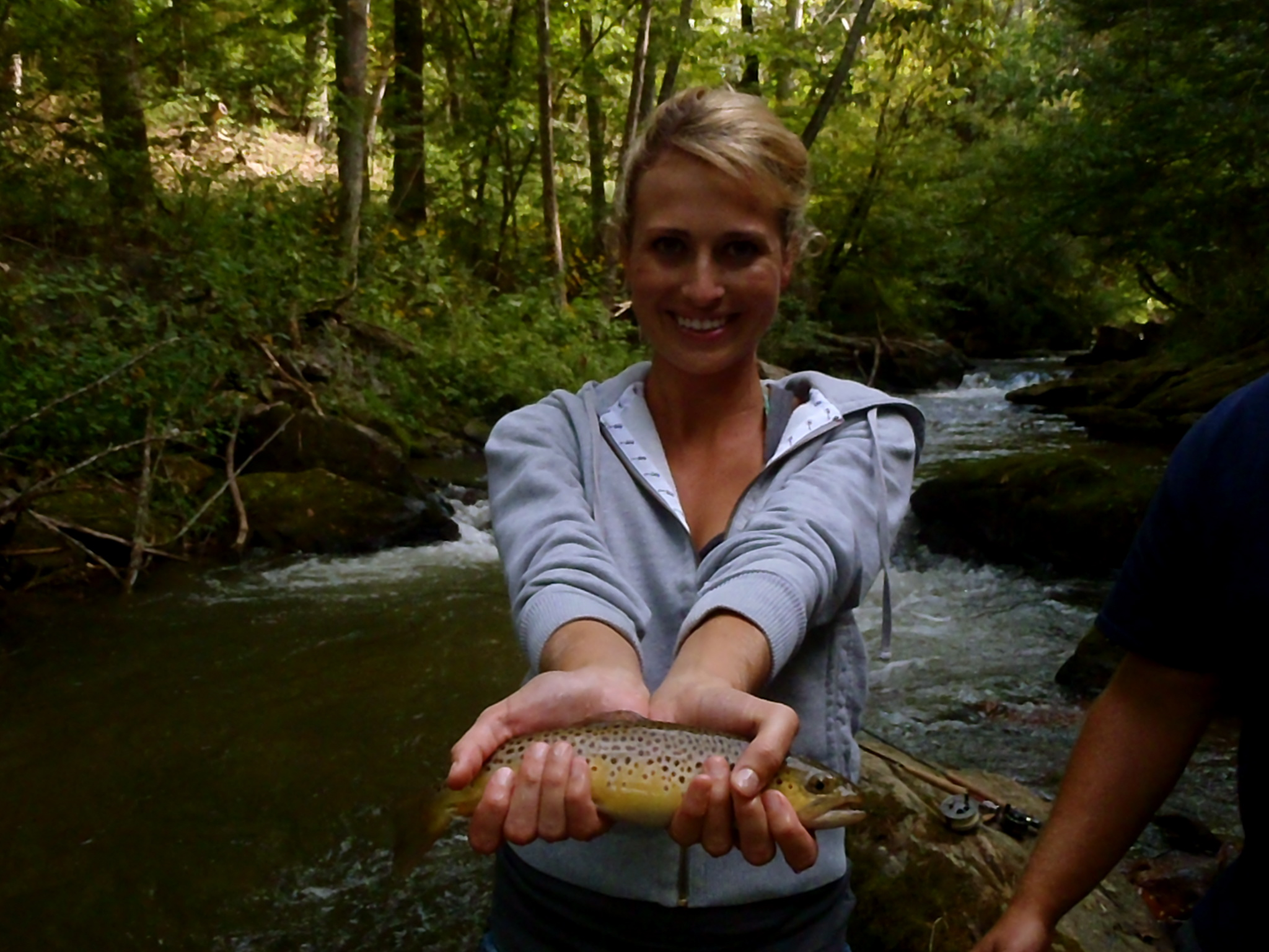 Fly fishing in gatlinburg tn hookers fly shop and guide for Tennessee fishing guide