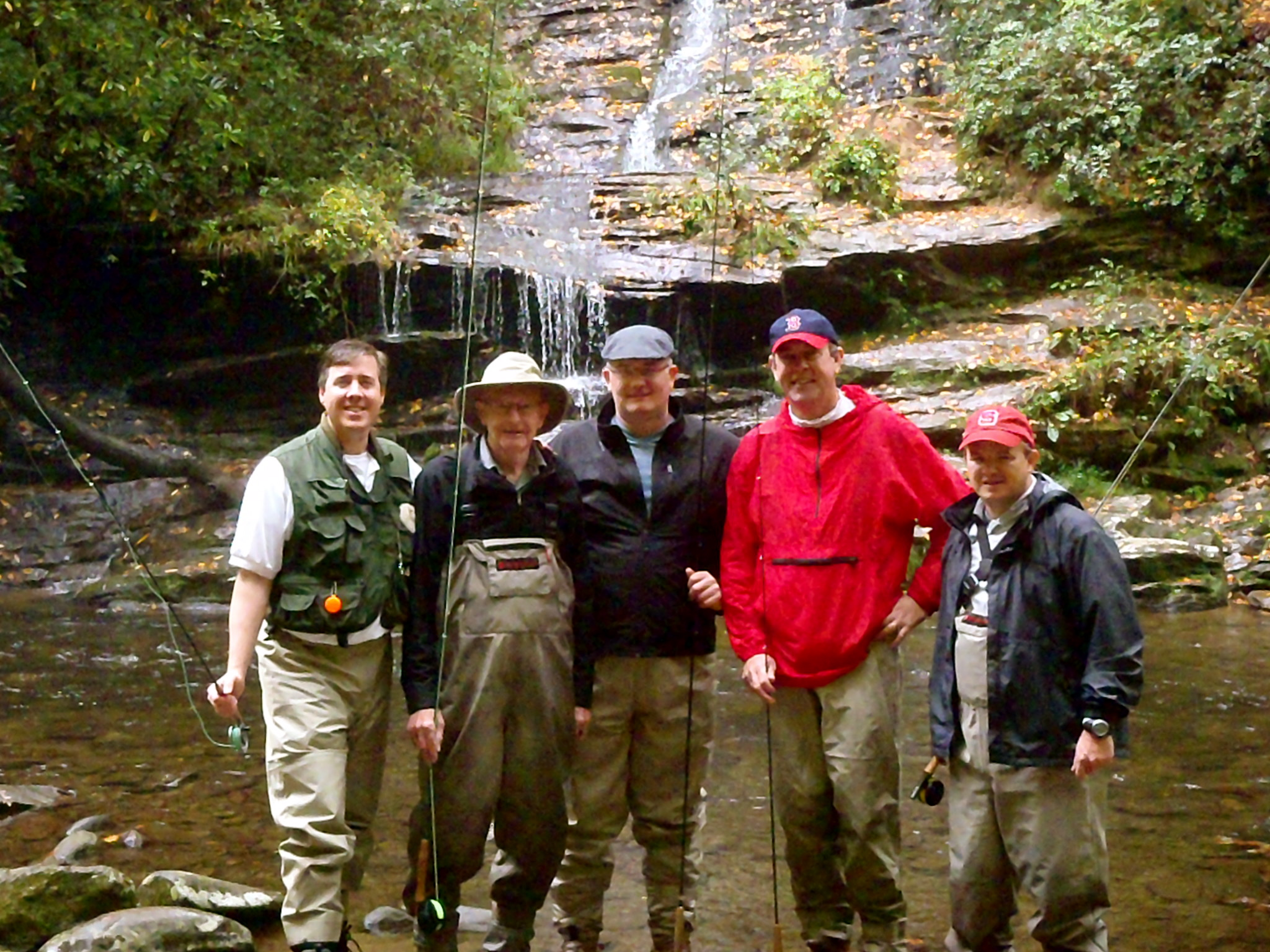 Fly fishing gatlinburg and pigeon forge tn hookers fly for Pigeon forge fishing
